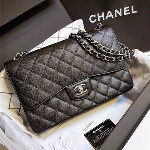BRAND NEW - Classic MAXI Chanel - Black Ca…